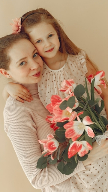 Mother And Daughter Love Hd Photo