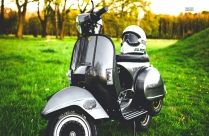 Old Scooter On Grass Field HD Picture